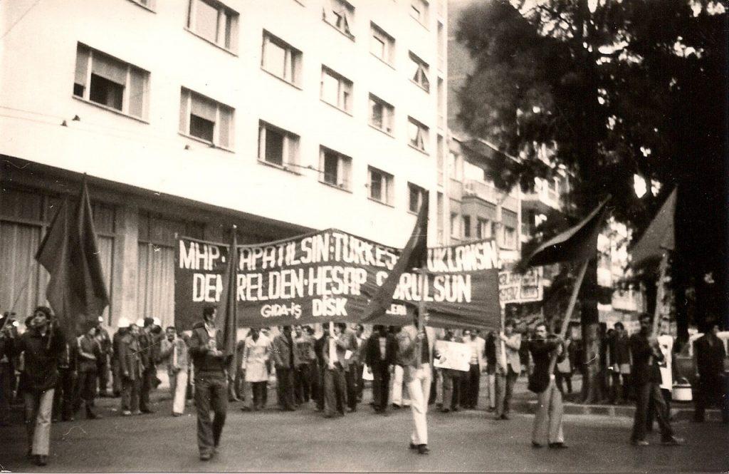 Tariş işçileri DİSK'in yürüyüşünde